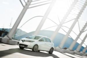 Renault_ZOE_weiss_02