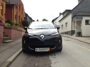 Renault_ZOE_schwarz_Vorne