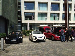 Tesla_Model_S_Opel_Ampera