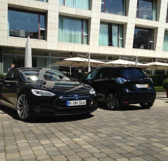 Tesla_Model_S_Renault_ZOE