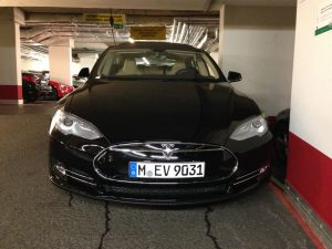 Tesla_Model-S_vorne