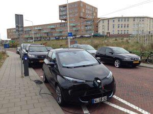 Scheveningen_Renault_ZOE_eLaad2