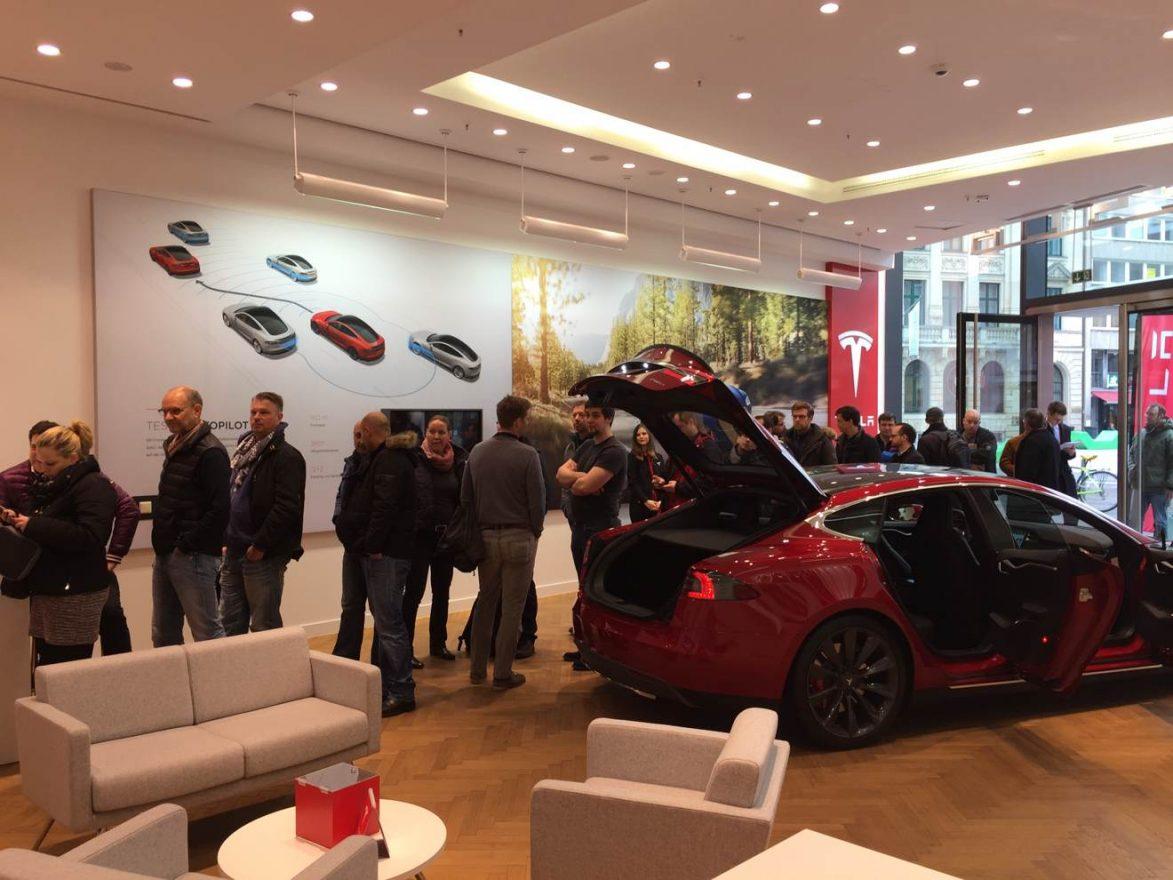 Tesla_Model3_Reservierung_Duesseldorf