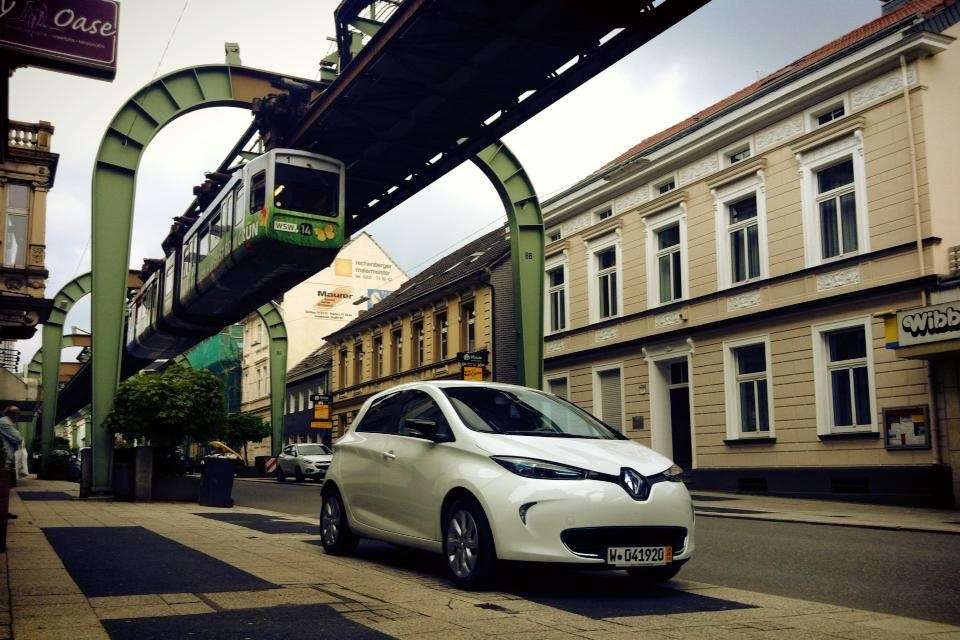 Renault_ZOE_Schwebebahn