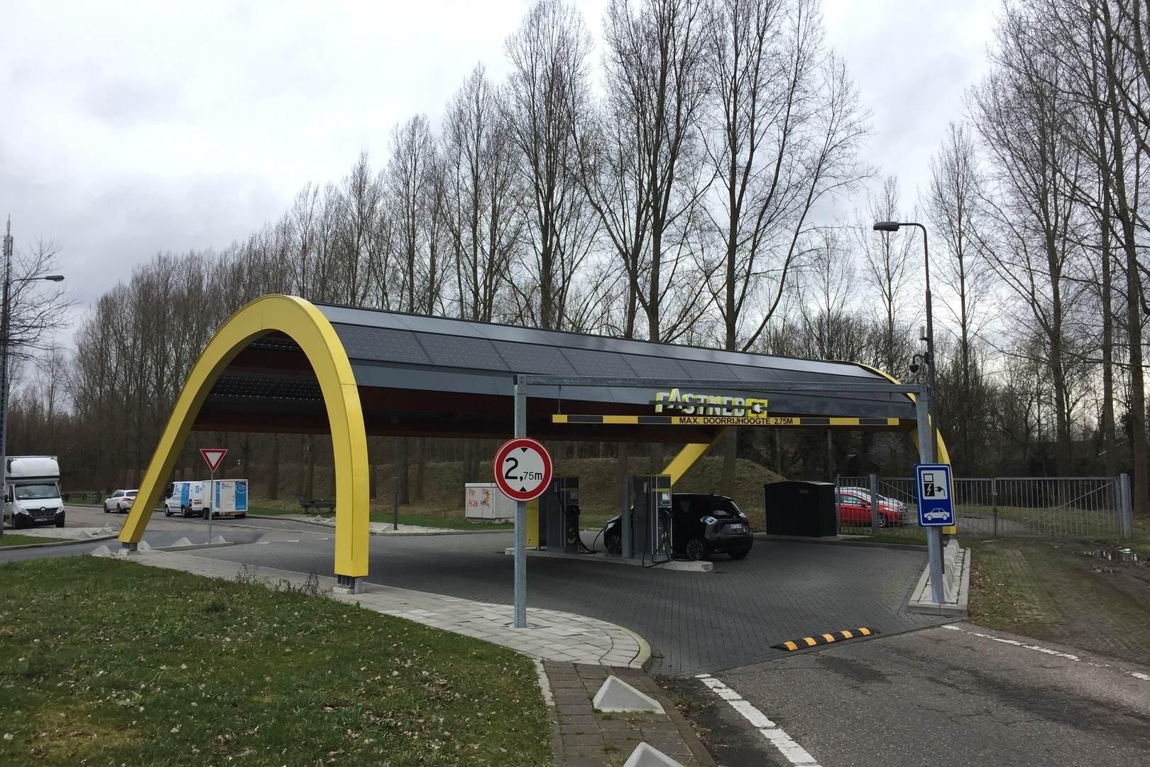 Fastned_Schnellladestation_ZOE_Niederlande