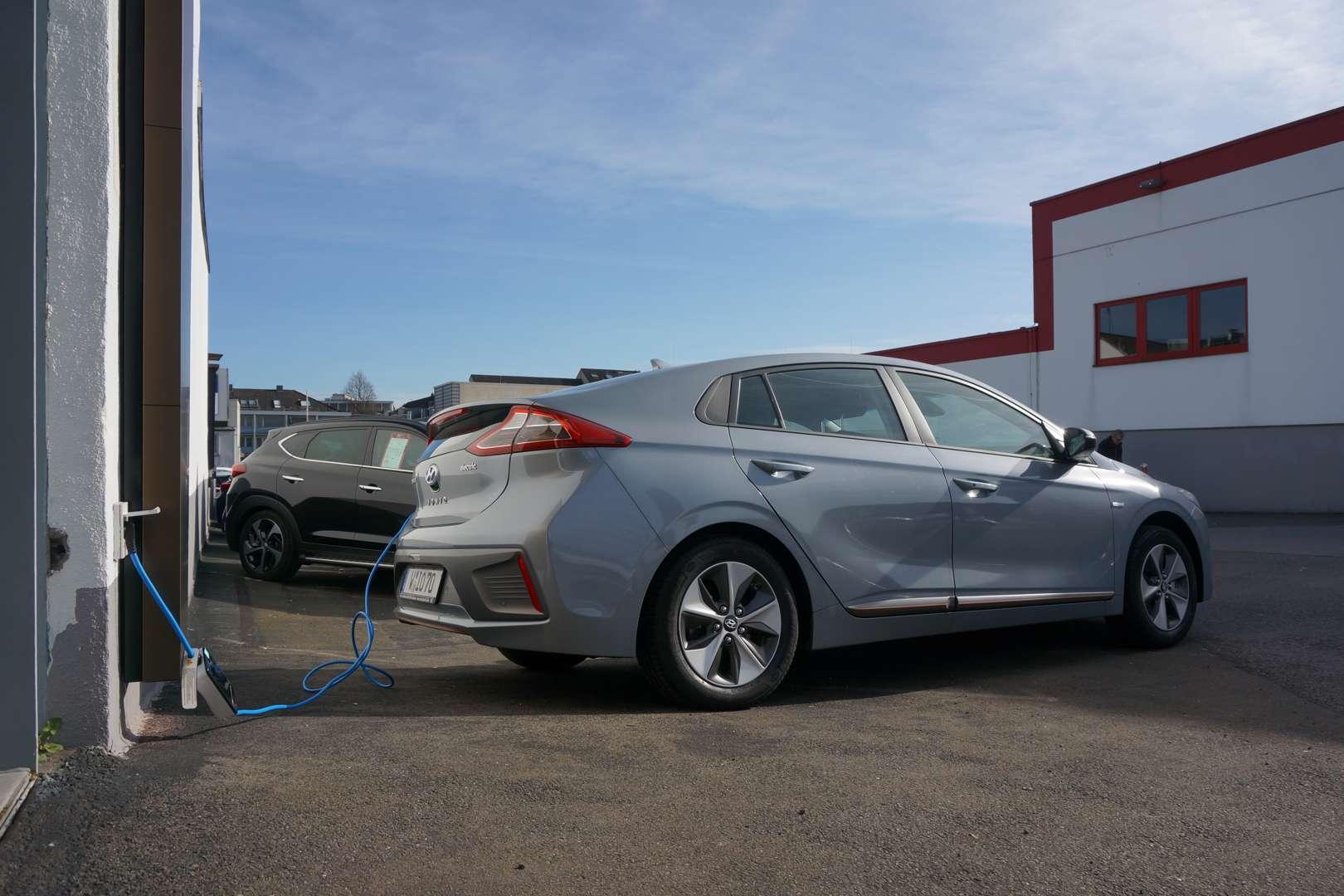 Hyundai_Ioniq_Electric_Seite_ICCB