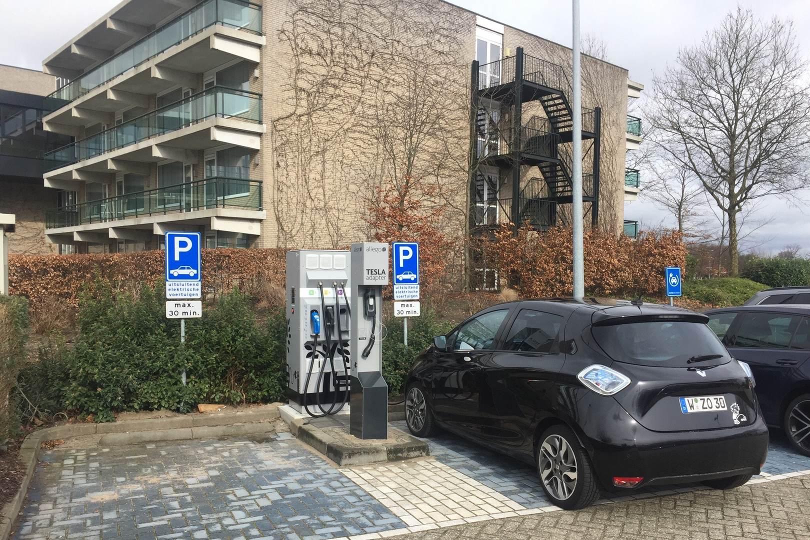 Renault_ZOE_DanZei_Schnellladestation_Holland