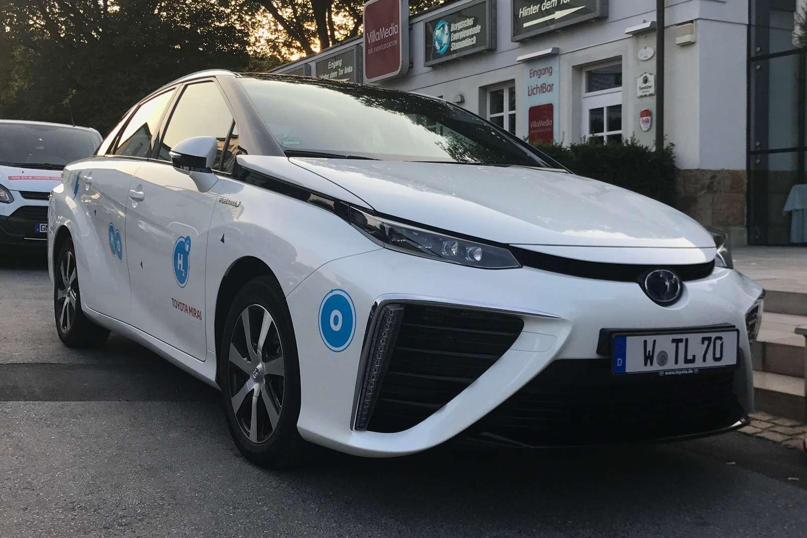 Toyota_Mirai_FCEV