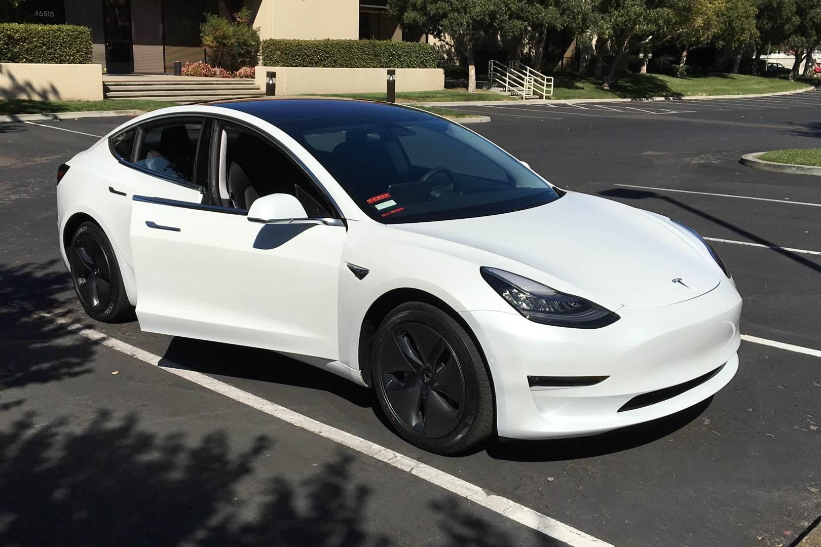 Tesla_Model_3_weiss_Kevin_1