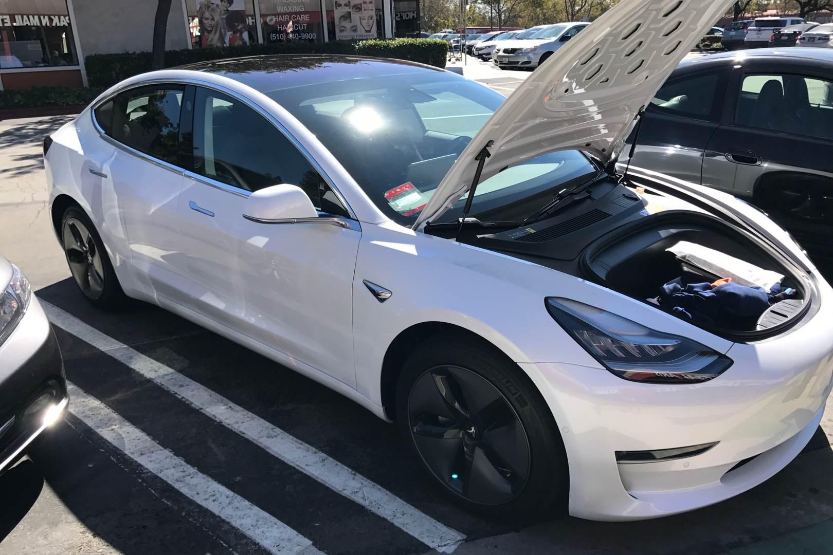 Tesla_Model_3_weiss_Kevin_2