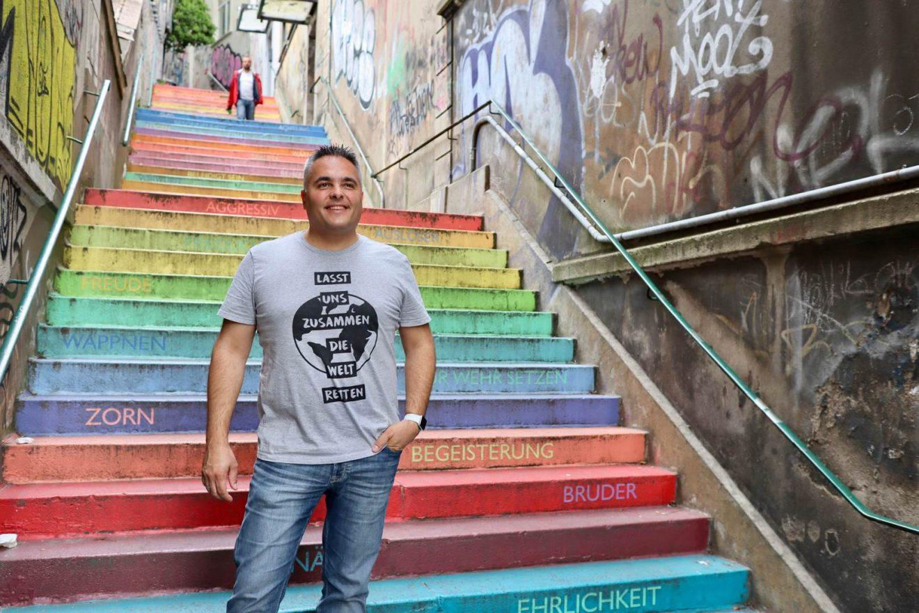 Nino DANZEI T-Shirt Daniel Lasst uns zusammen die Welt retten