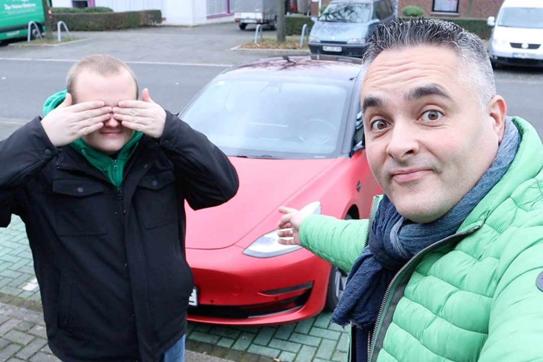 Titelbild Blog Tesla Model 3 Autopilot Radar Problem durch Folierung