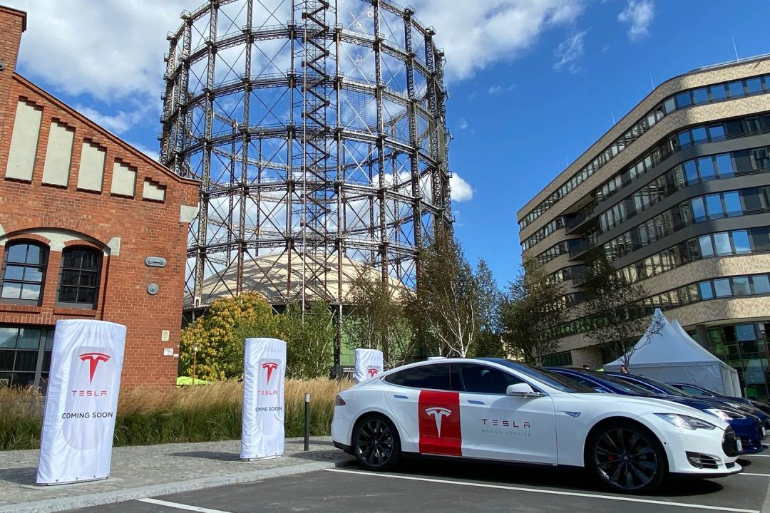 Tesla Urban Supercharger Berlin Eröffnung Peter Altmaier