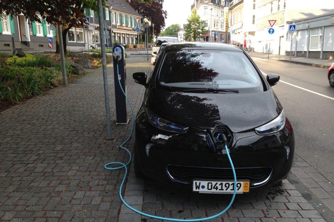 Renault_ZOE_BEW_RWE_Ladesaeule