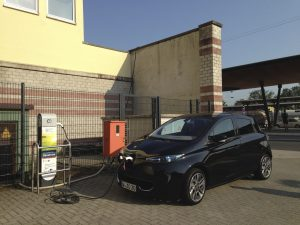 Renault_ZOE_RWE-Ladestation_Unna