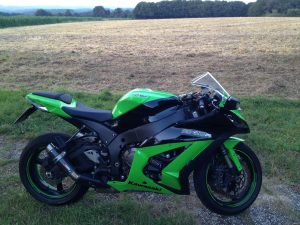 For-Sale_Kawasaki_Ninja_ZX10R_2012_2_klein