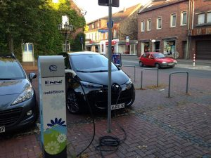 Renault_ZOE_Ladestation_Neukirchen-Vlynn