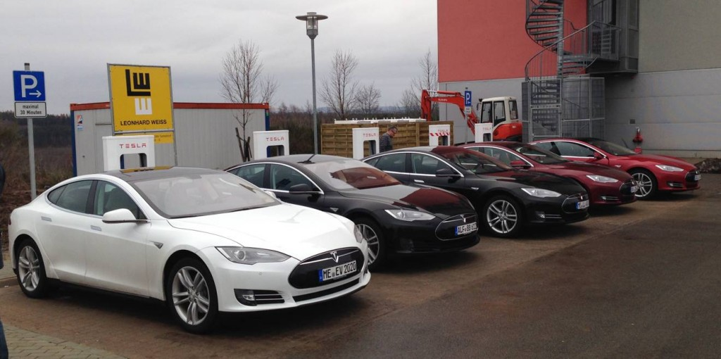 Tesla_Supercharger_Wilnsdorf_Ladung
