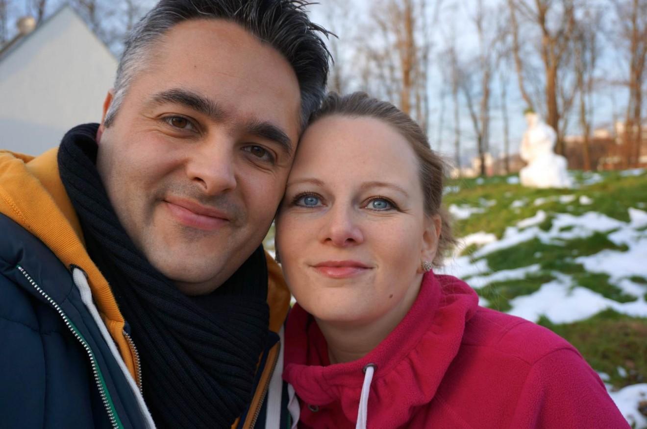 Glücklich über den Schneewachmann und den sichtbaren Fortschritt! WIR HABEN PFLÖCKE IM BODEN! *jubel*