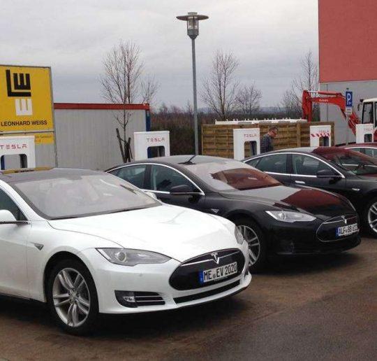 Tesla_Supercharger_Wilnsdorf_Ladung Titelbild