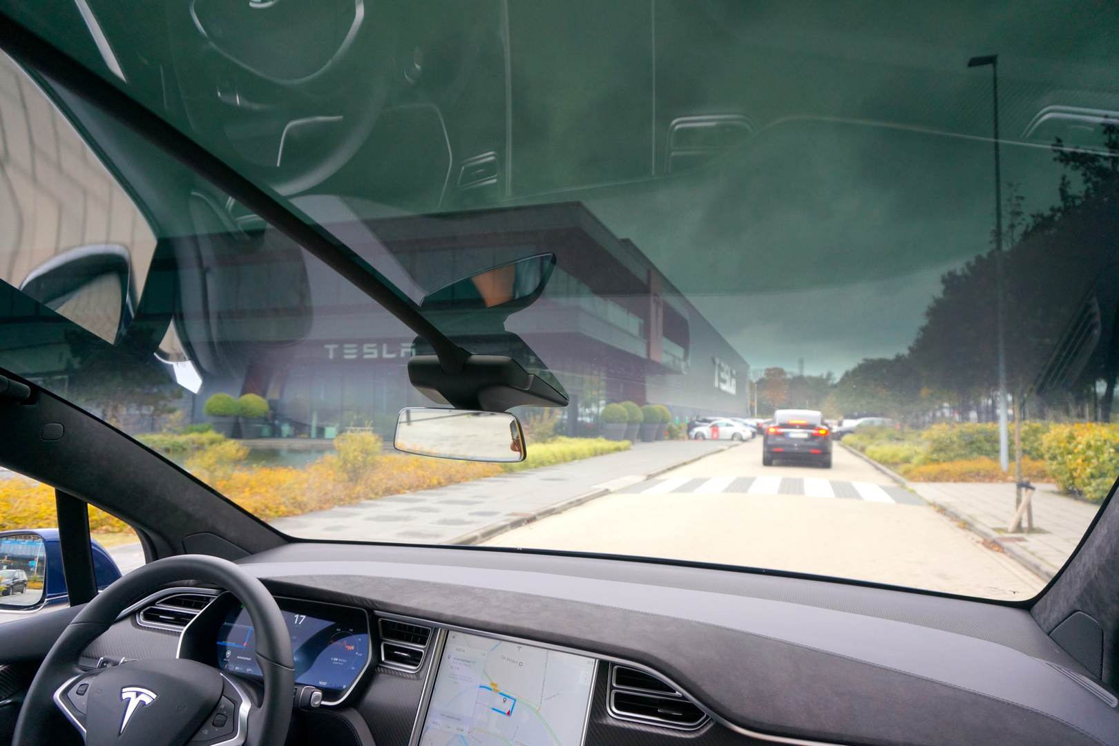 Tesla_Tilburg_Factory_Tour_Ankunft