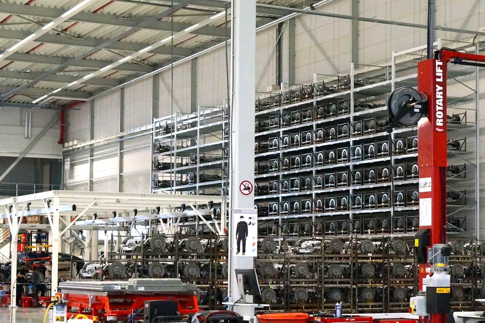 Tesla_Tilburg_Factory_Tour_Lager_Motor_Antrieb