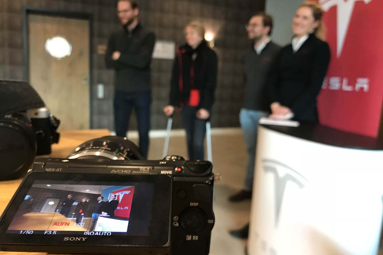 Tesla_Tilburg_Factory_Tour_Marketing_Team