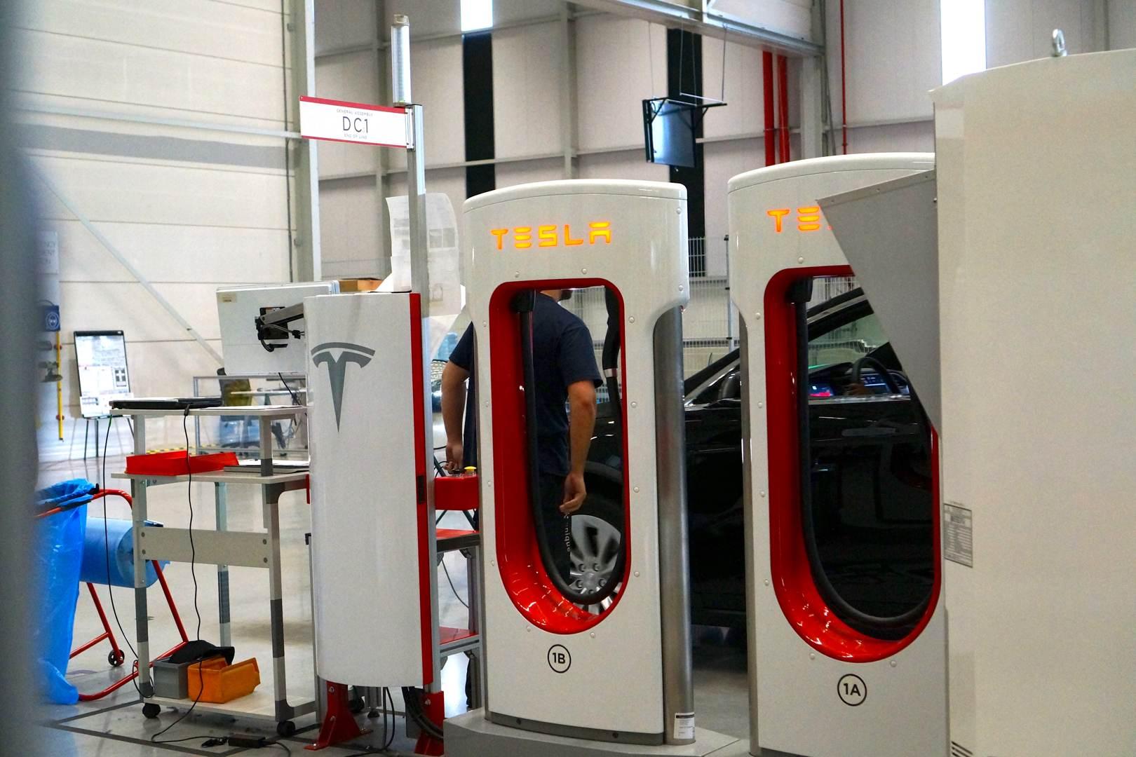 Tesla_Tilburg_Factory_Tour_Supercharger