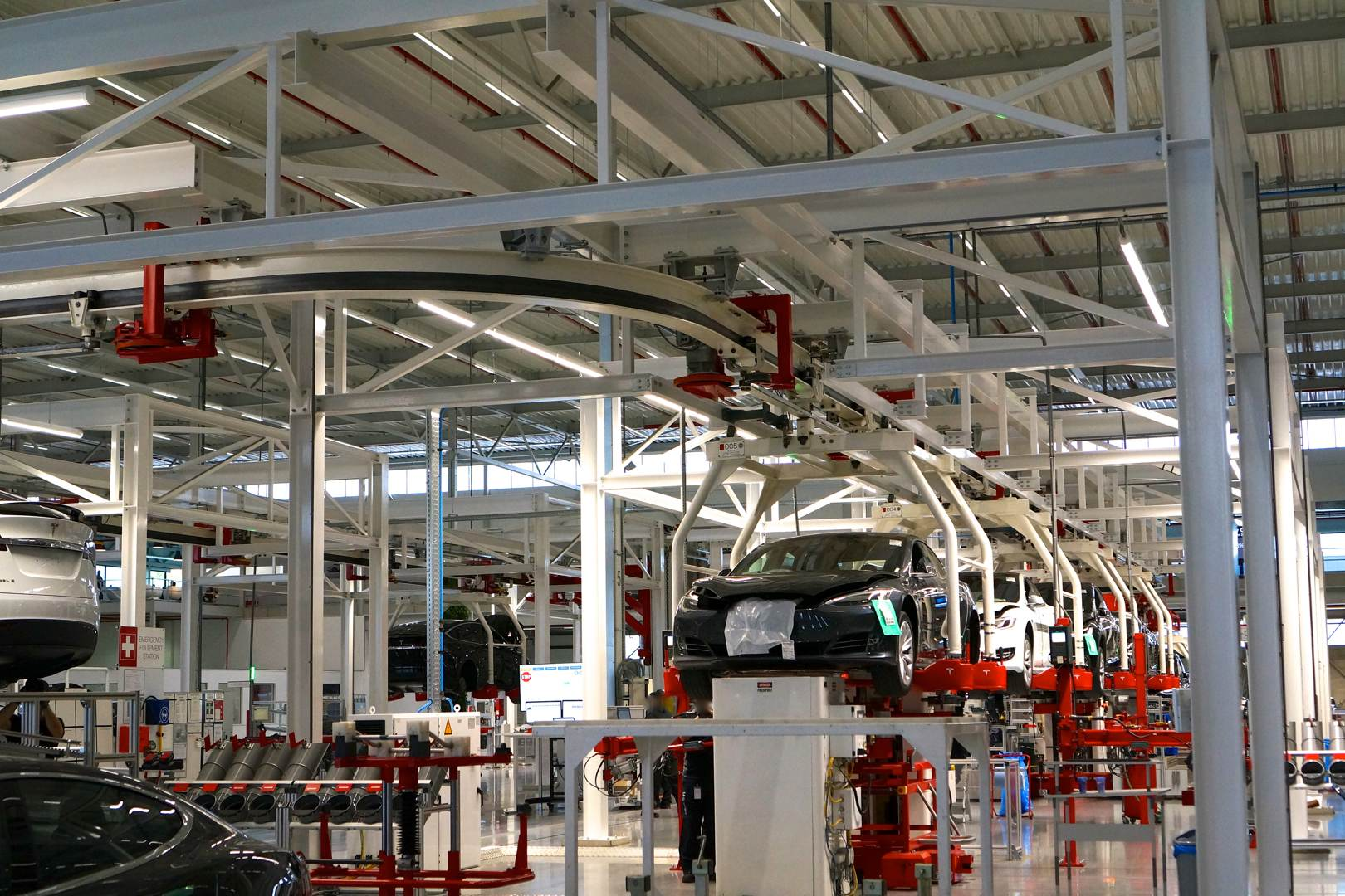 Tesla_Tilburg_Factory_Tour_Transportband_Model_X_Model_S
