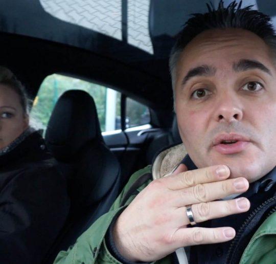 Titelbild Tesla Model S Unfallkosten Bodyshop Besuch