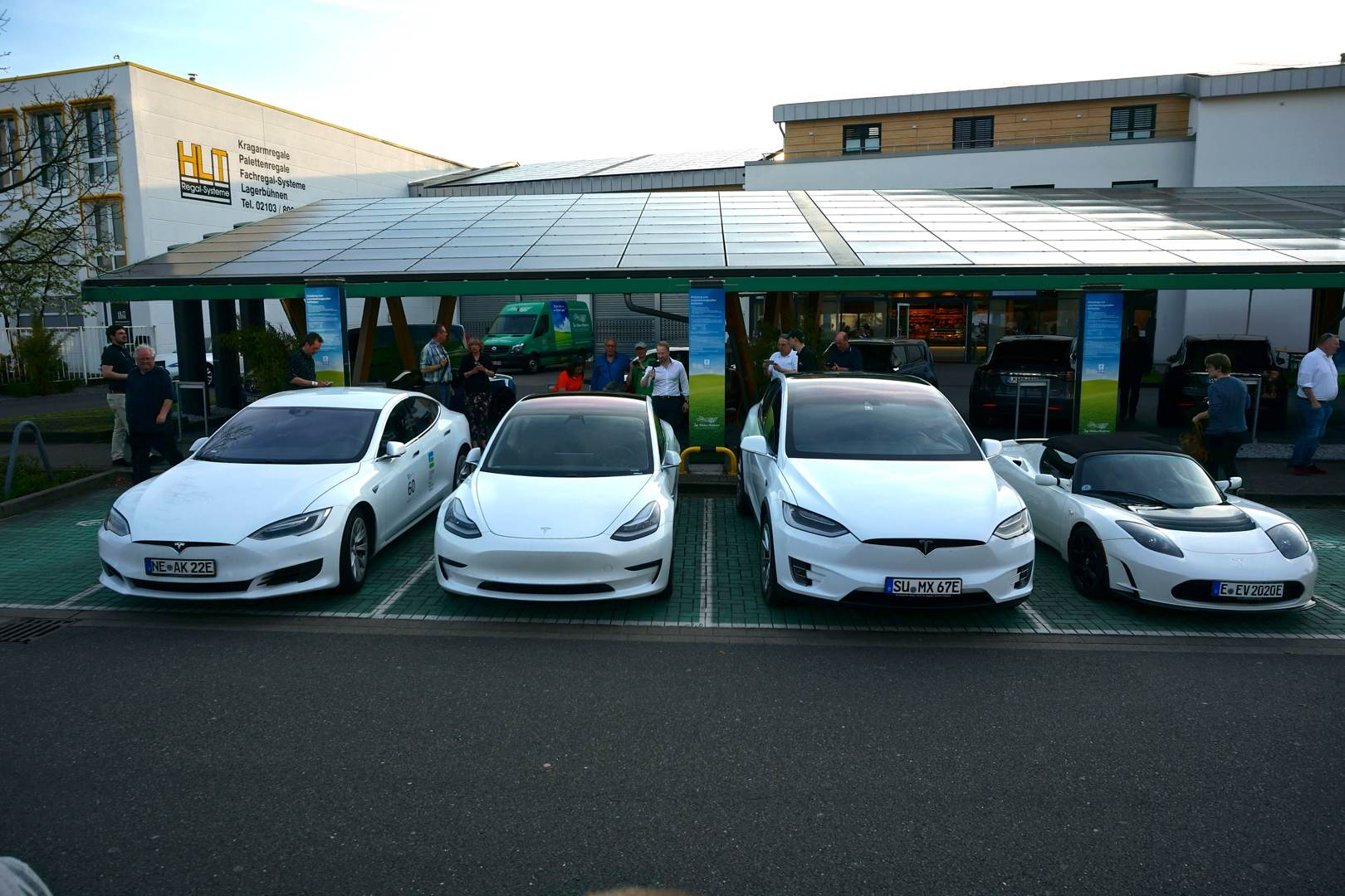 Tesla SEX - Model S, Model 3, Model X und Roadster