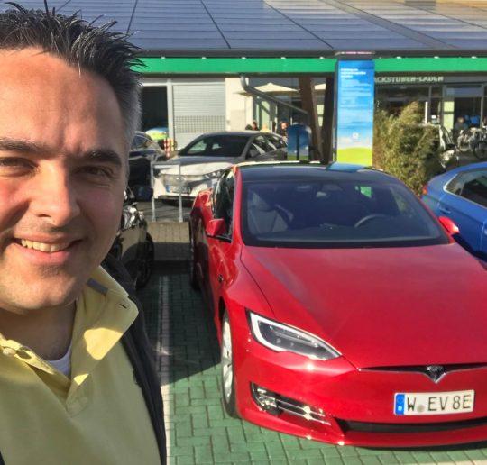 Mängel Tesla Model S