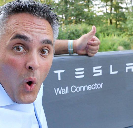 Tesla Aktie Handelsstopp