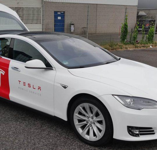 Tesla Mobile Service