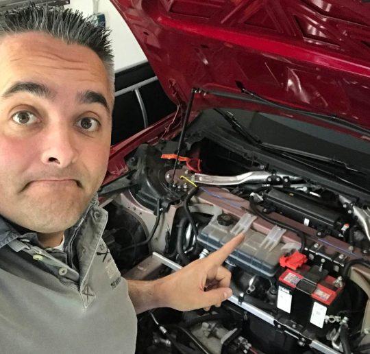 Hilfe mein Tesla spinnt rum