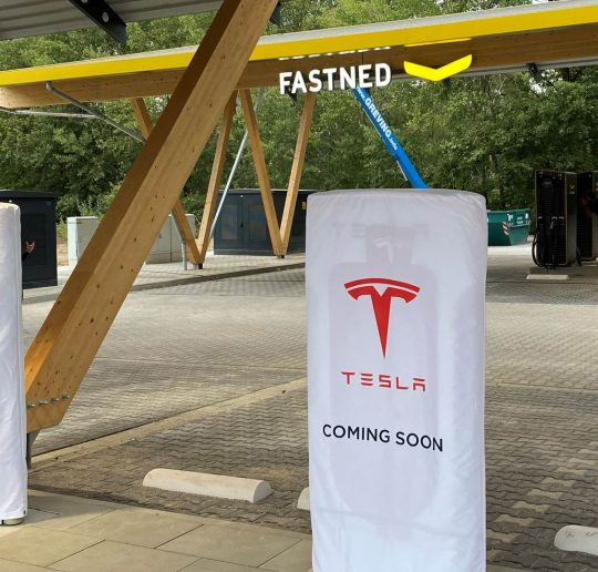 Seed and Greet Ladepark Kreuz Hilden Eröffnungstermin Tesla Supercharger V3 Fastned HPC
