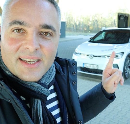 Probefahrt VW ID4 Elektroauto Autoverkäufer werden ihn lieben